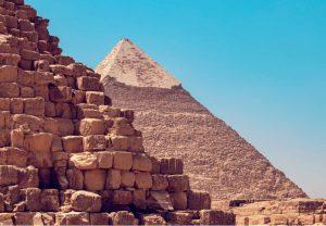 Piramide schrijven pyramid writing